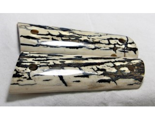 BLACK ICE CRACKLE BARK MAMMOTH IVORY 1911 GRIPS A-1385